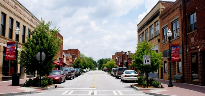 street view of downtown shops in Toccoa, Georgia